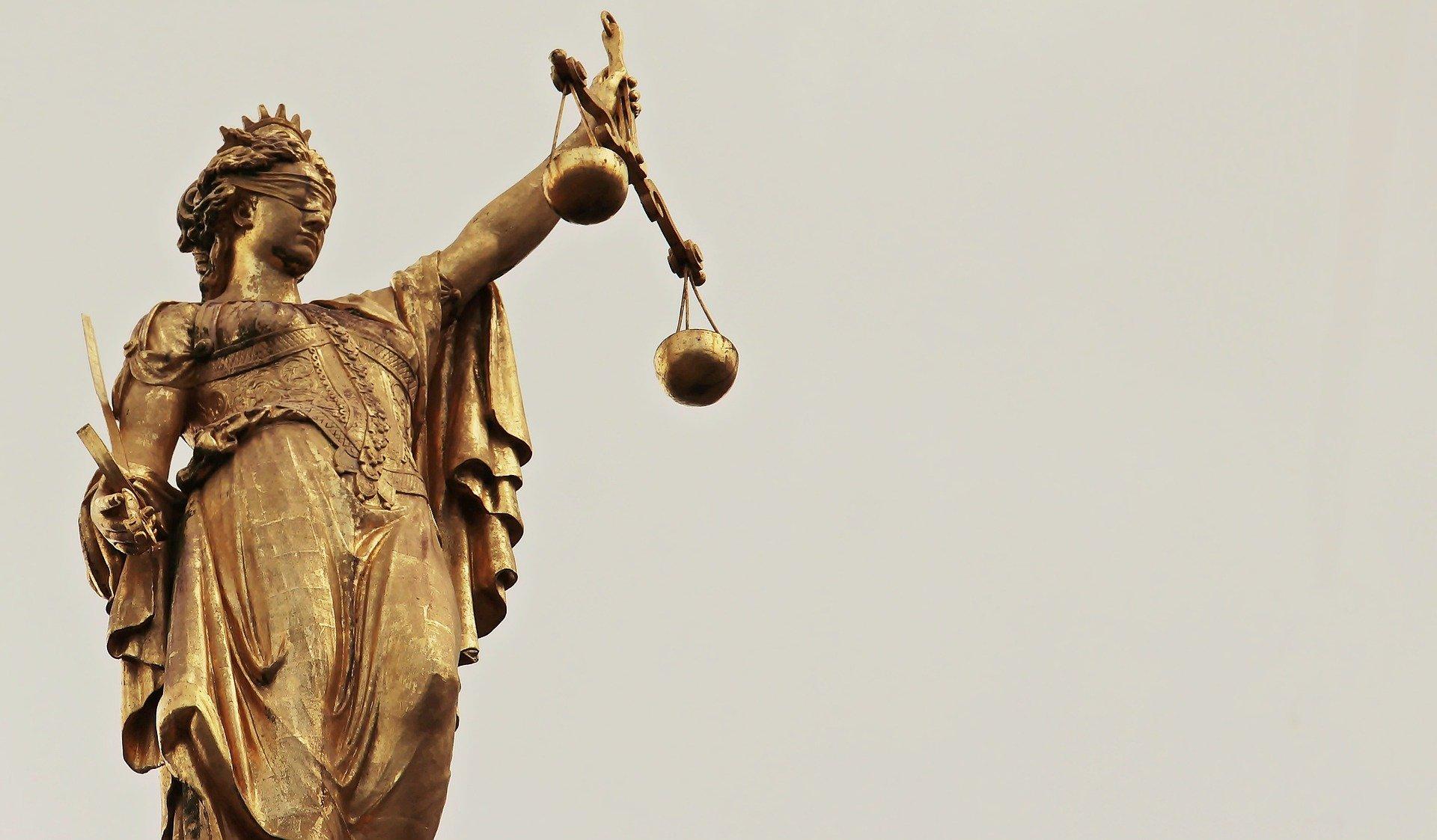 O que esperar do STF em tempos de retrocesso político: a decisão liminar na ADPF n. 548 como marco da liberdade acadêmica.