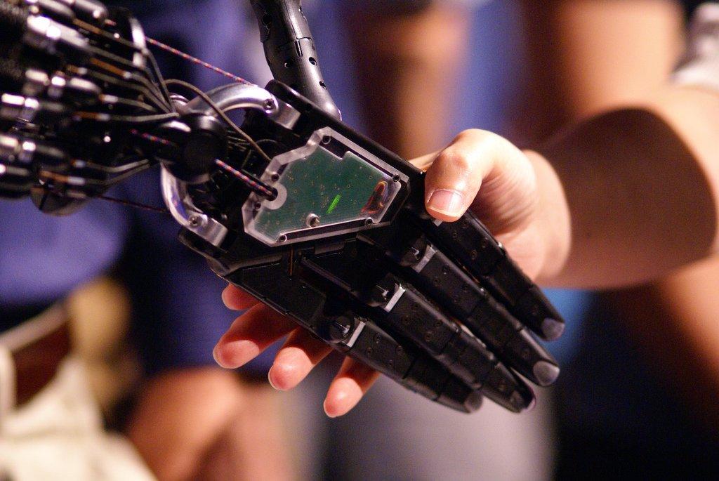 Ciência x tecnologia - Por Thiago Brega de Assis